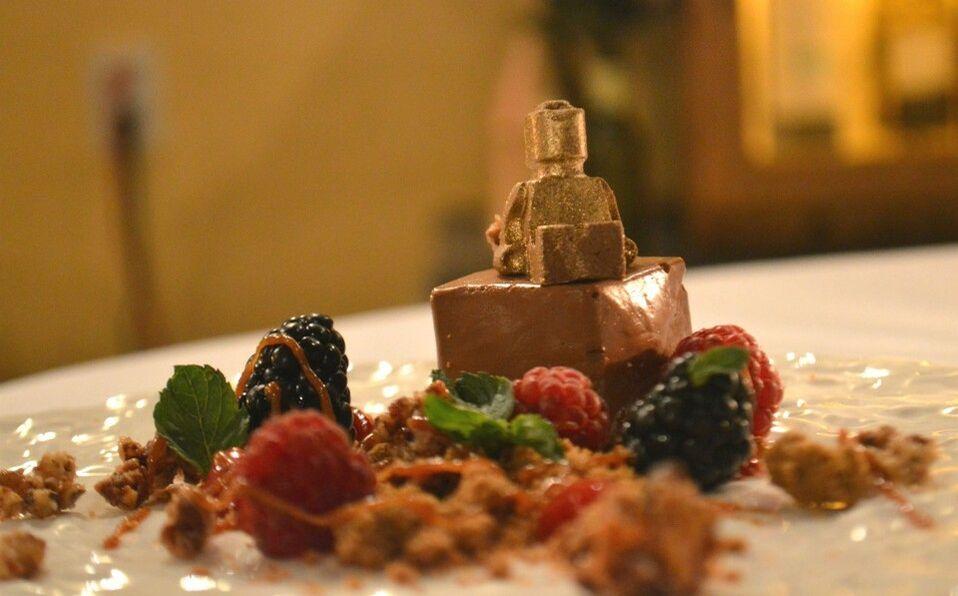 La tarta de chocolate en Aureo es una de nuestras recomendaciones (Gustavo Rodríguez)