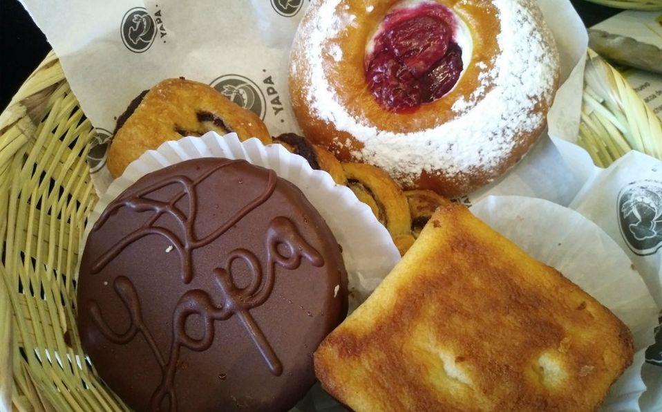 Pan dulce en Yapa Restaurante panadería elaborado con masa madre (LAT)